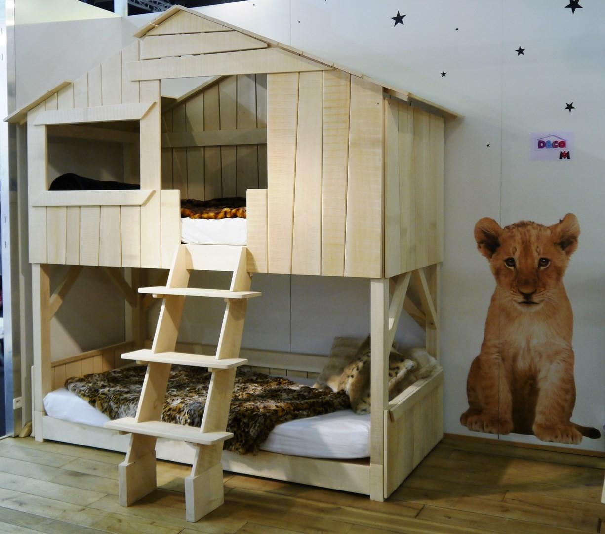 lit cabane enfant double couchage en bois vernis naturel. Black Bedroom Furniture Sets. Home Design Ideas