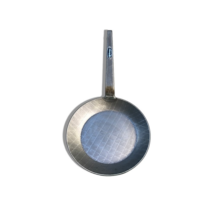 Poêle en fer forge 24 cm